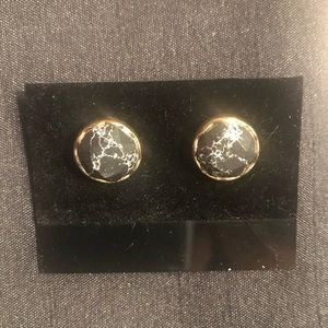 BRAND NEW gold and black marble stud earrings